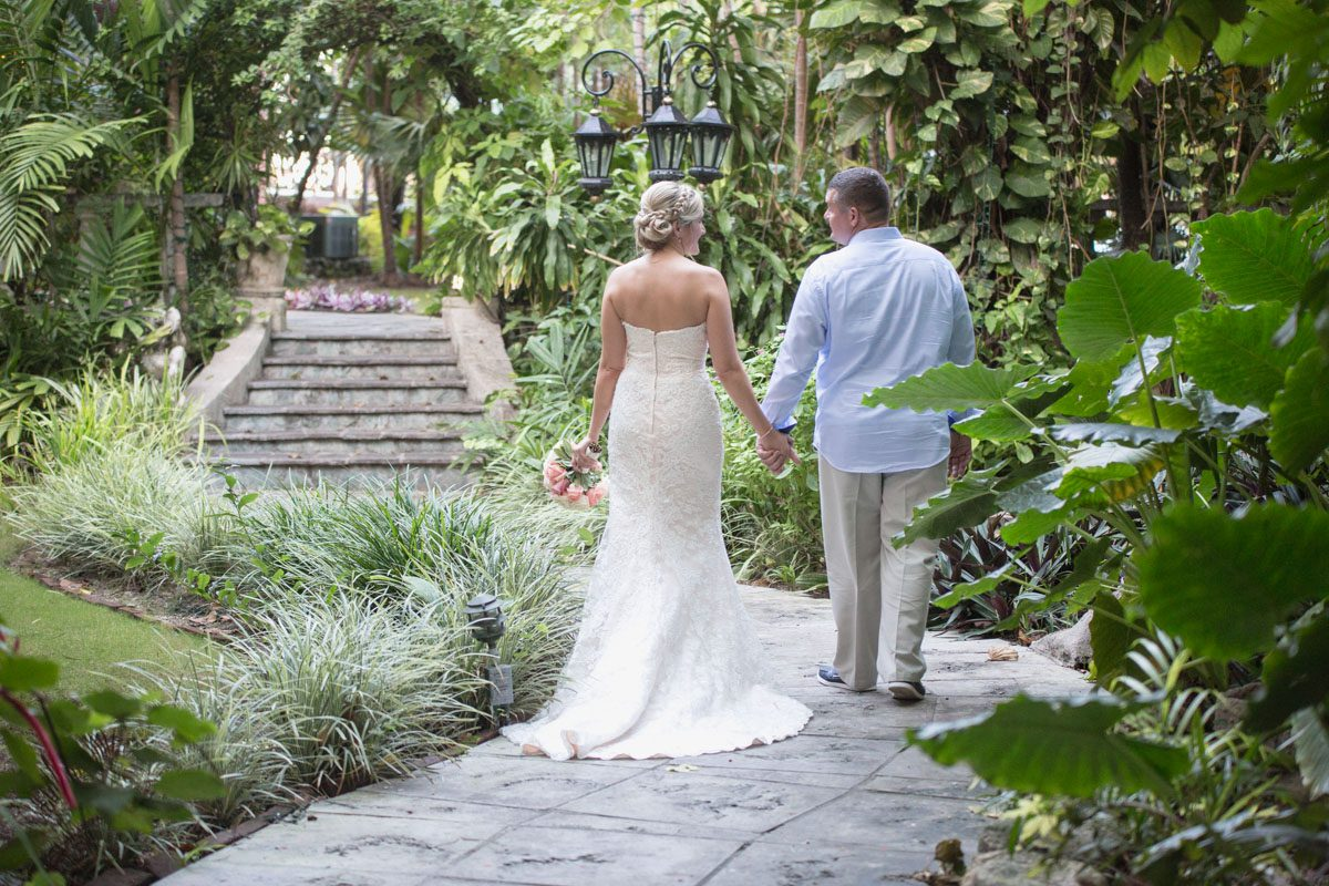 Destination wedding photography graycliff hotel royal for Destination weddings in the caribbean