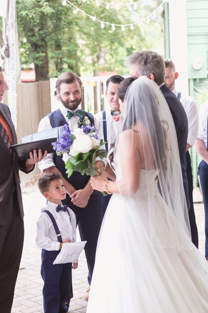 Orlando photographer and videography capture wedding ceremony at the Veranda at Thornton park venue downtown