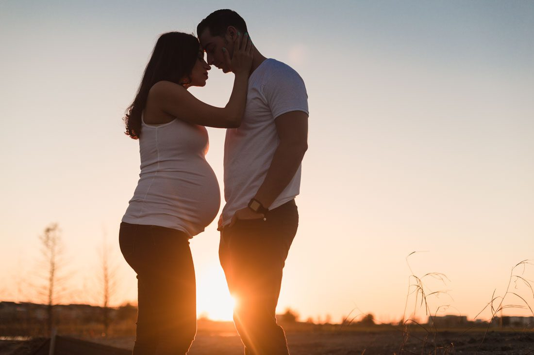 Maternity photos taken by Lakehouse and Canvas in Lake Nona by Orlando photographer