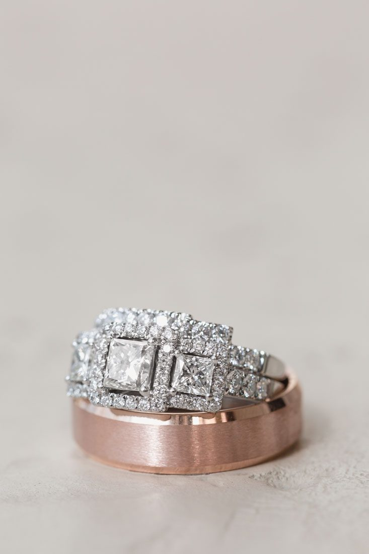 Close up of the wedding rings by Orlando photographer
