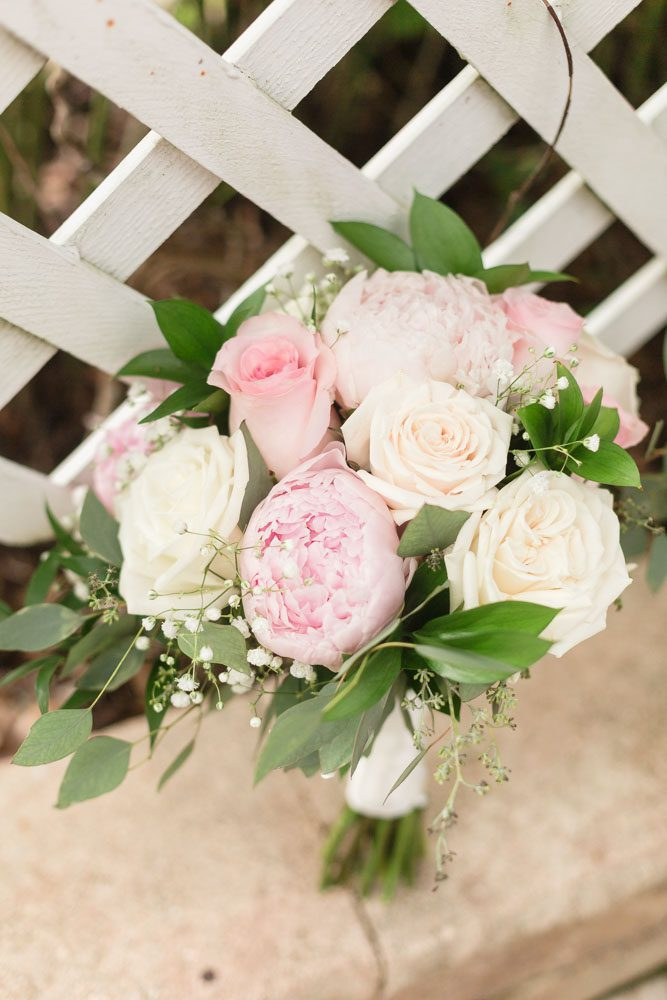 Blush and cream bouquet for beautiful Orlando wedding at Paradise Cove